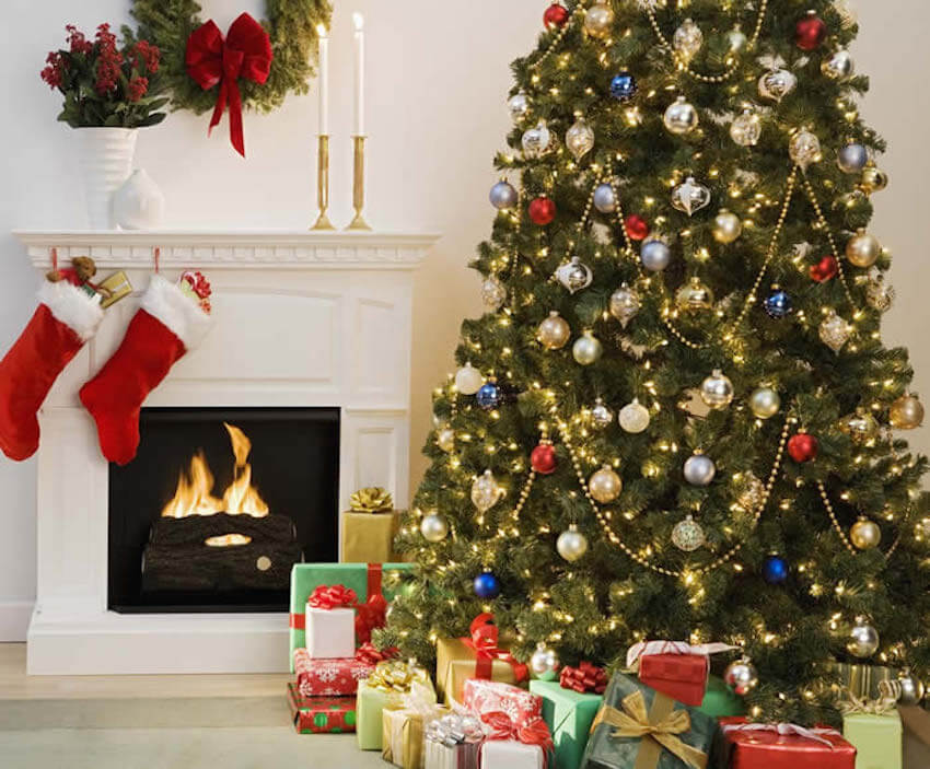 Classy Christmas tree contrast with classy white interior painting