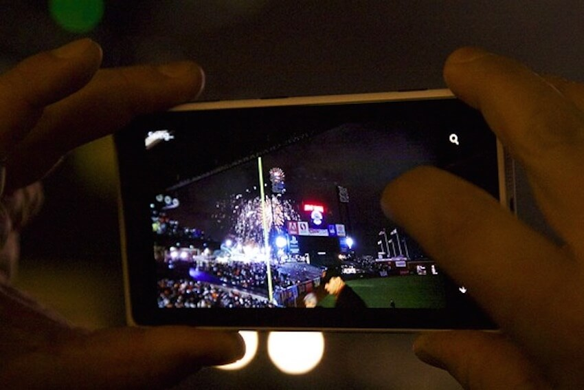 Taking photos of fireworks with your phone is easier than you might think!