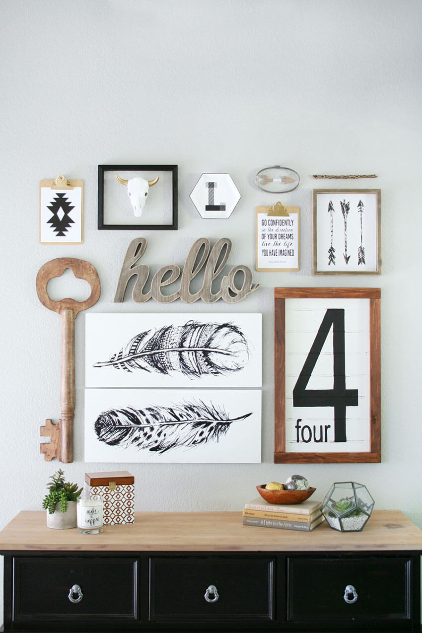 Different pieces brings style to this gallery wall.