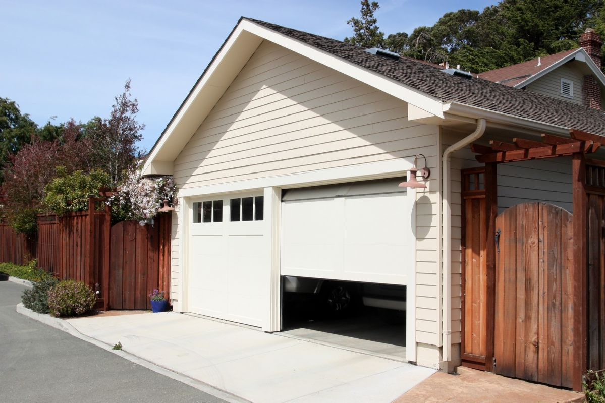The 3 Steps to Basic DIY Garage Door Repairs
