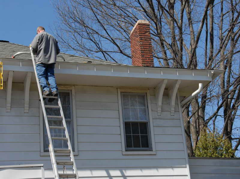 Equipment is one of the most important parts of cleaning gutters.