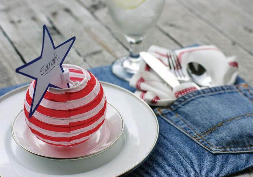 Make patriotic placemats out of denim!