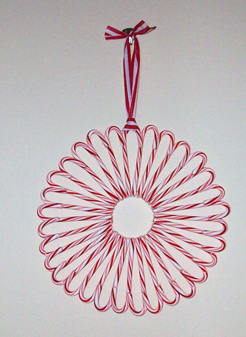 Old school edible candy cane wreath ideas