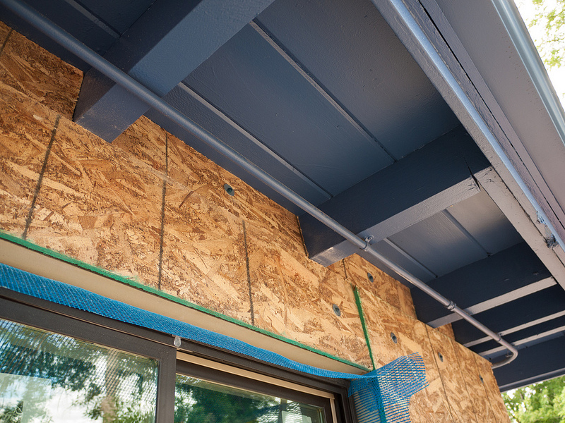 Rigid foam insulation has a greater insulating power.