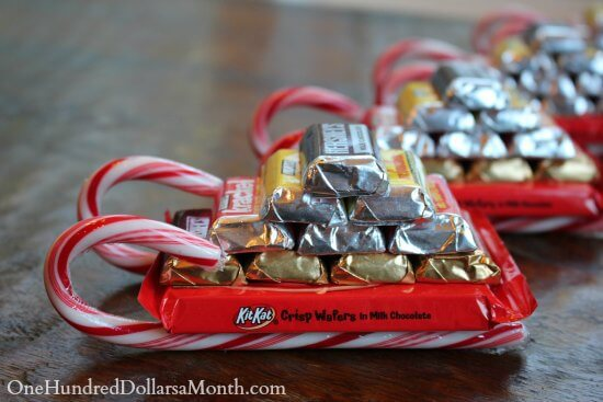 Use candy canes to create adorable sleighs!