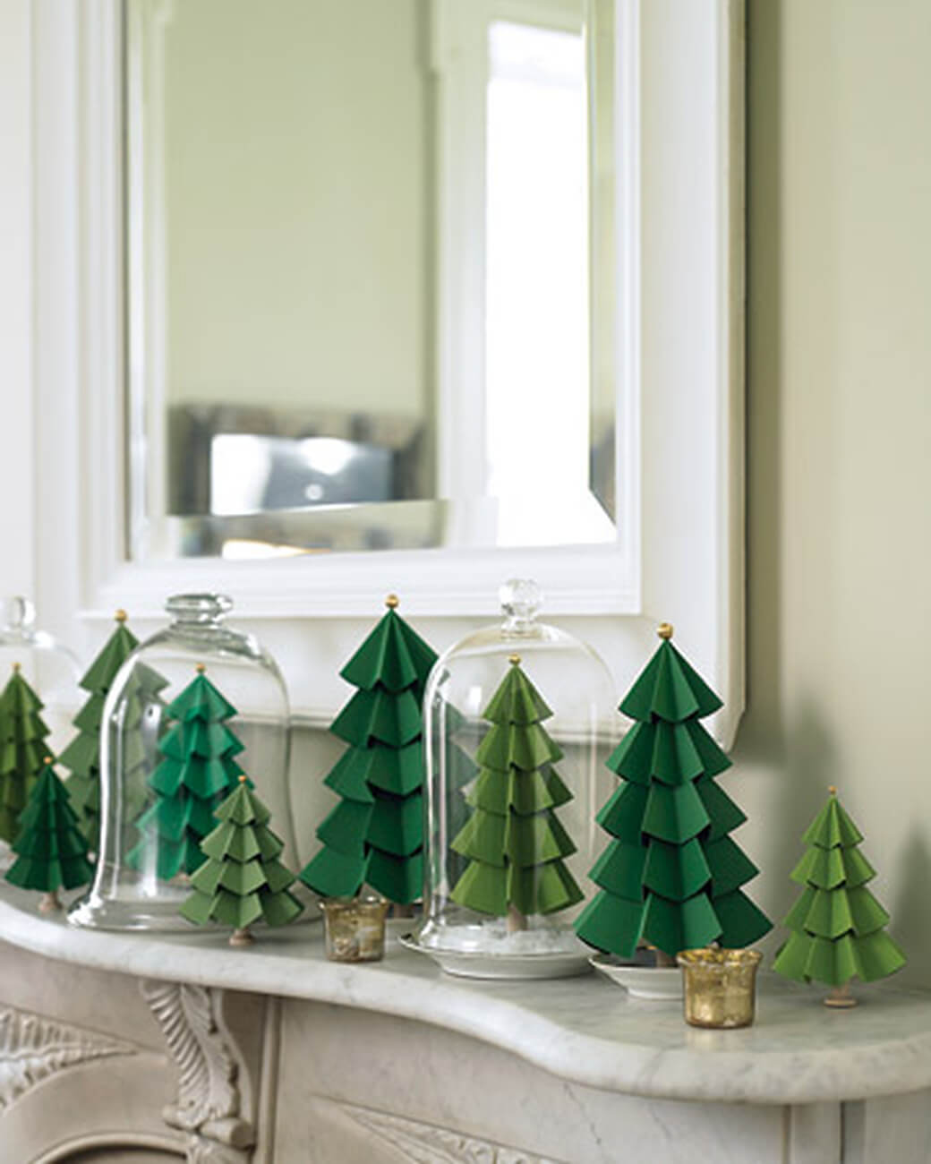 These cute paper Christmas trees are super easy to make!