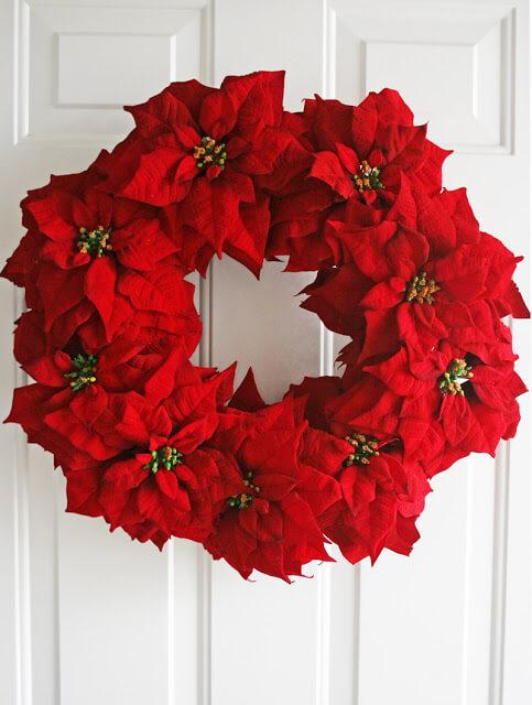 Make your own beautiful poinsettia wreath!