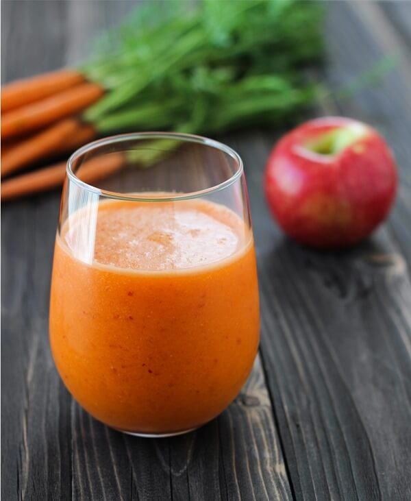 This detox drink made with apples, ginger, and carrots is an excellent way to start your new year off on the right foot!