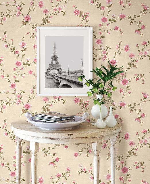 You can't go wrong with a classic floral wallpaper!