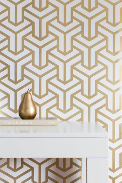 Geometric wallpaper is trendy and timeless!