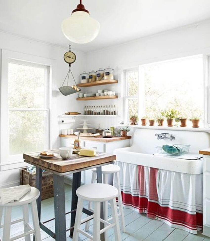 Creativity is needed when renovating a small kitchen.