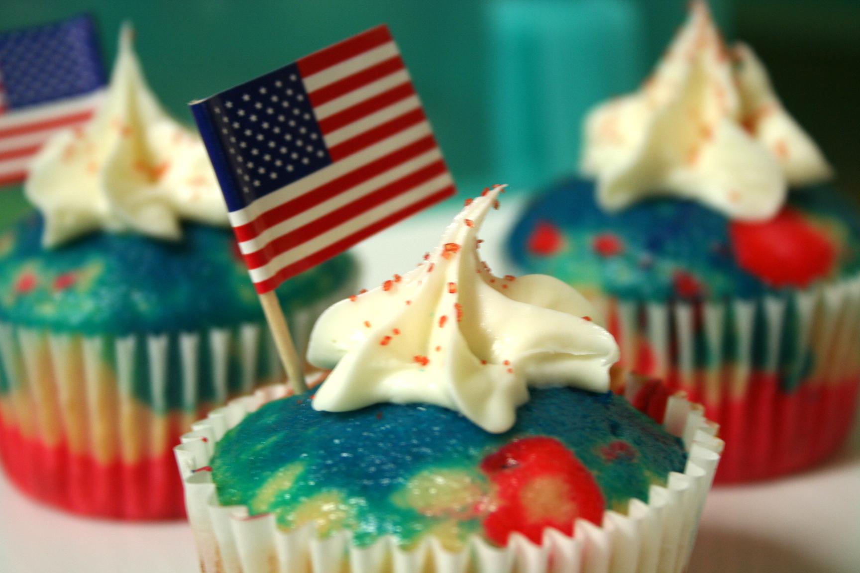 Patriotic cupcake display