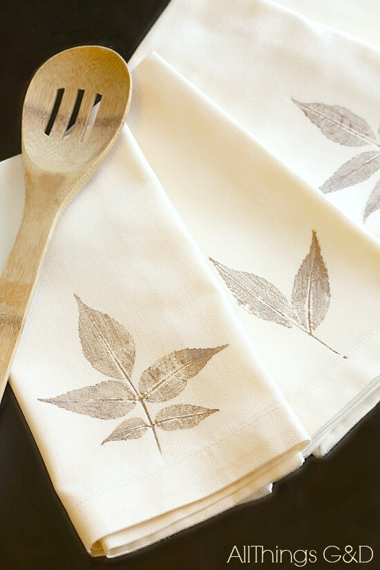 These beautiful and easy leaf-stamped napkins will add that extra something to your Thanksgiving dinner.
