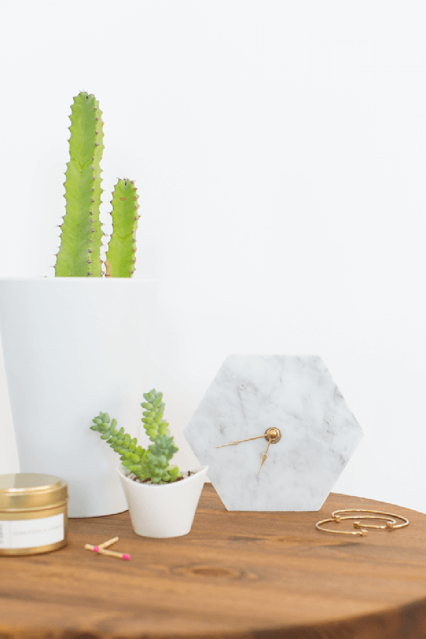 To bring a touch of elegance to any room, a marble clock is the perfect choice.