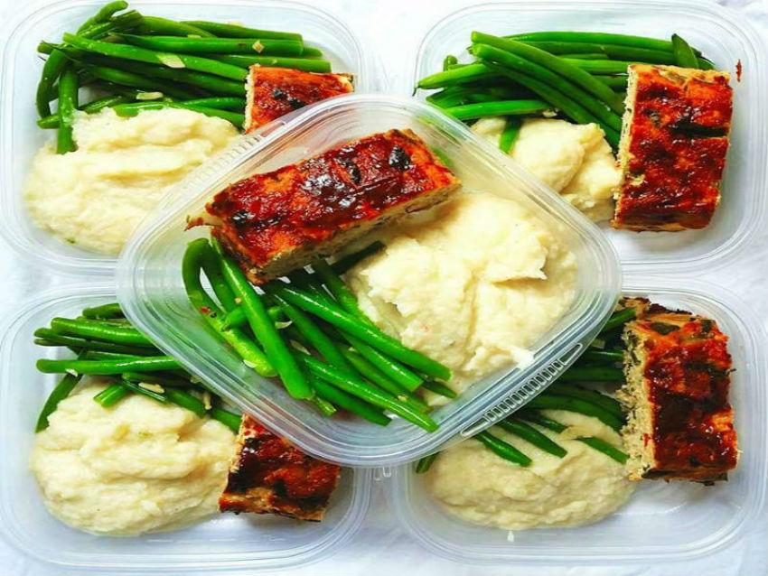 The advantages of meal prep go beyond praticality. Image Source: Prevention.com