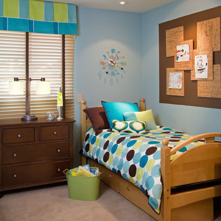 Colorful interior bedroom design options alongside corkboard