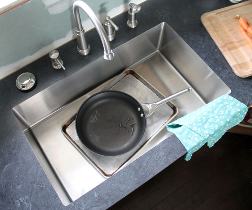DIY laminate countertops look gorgeous and costs way less than other options.