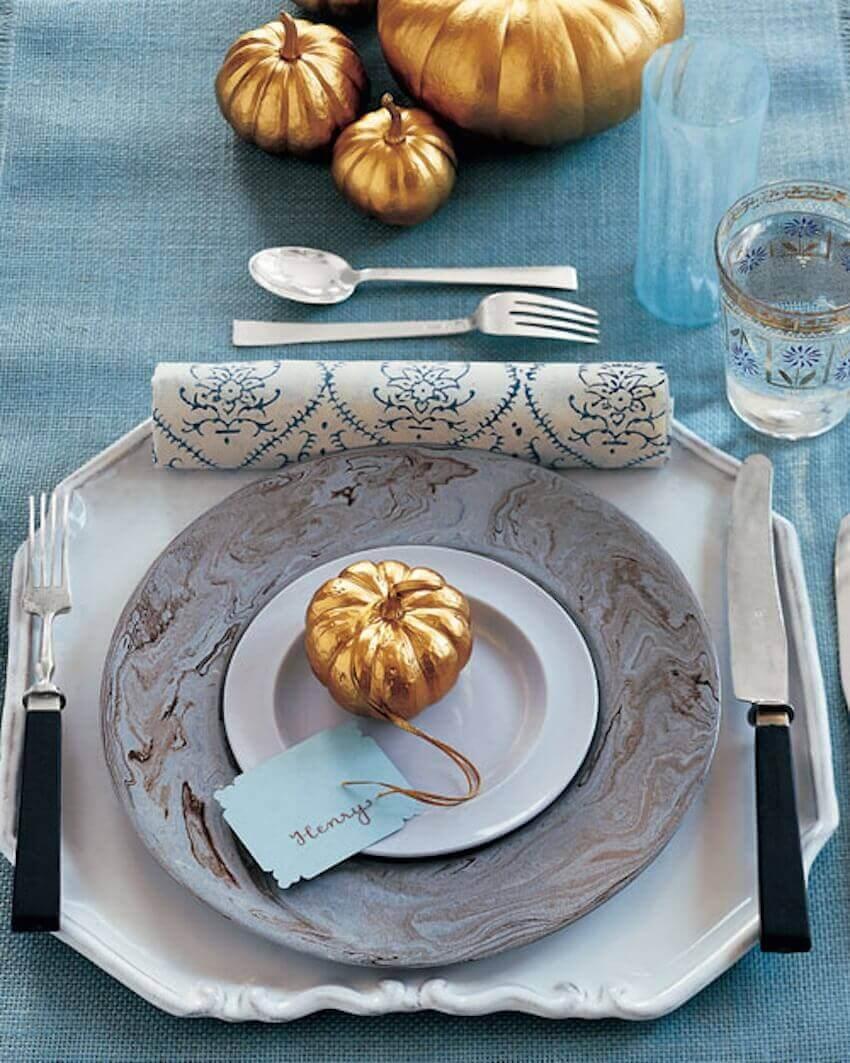 Dining room table decor: golden pumpkins