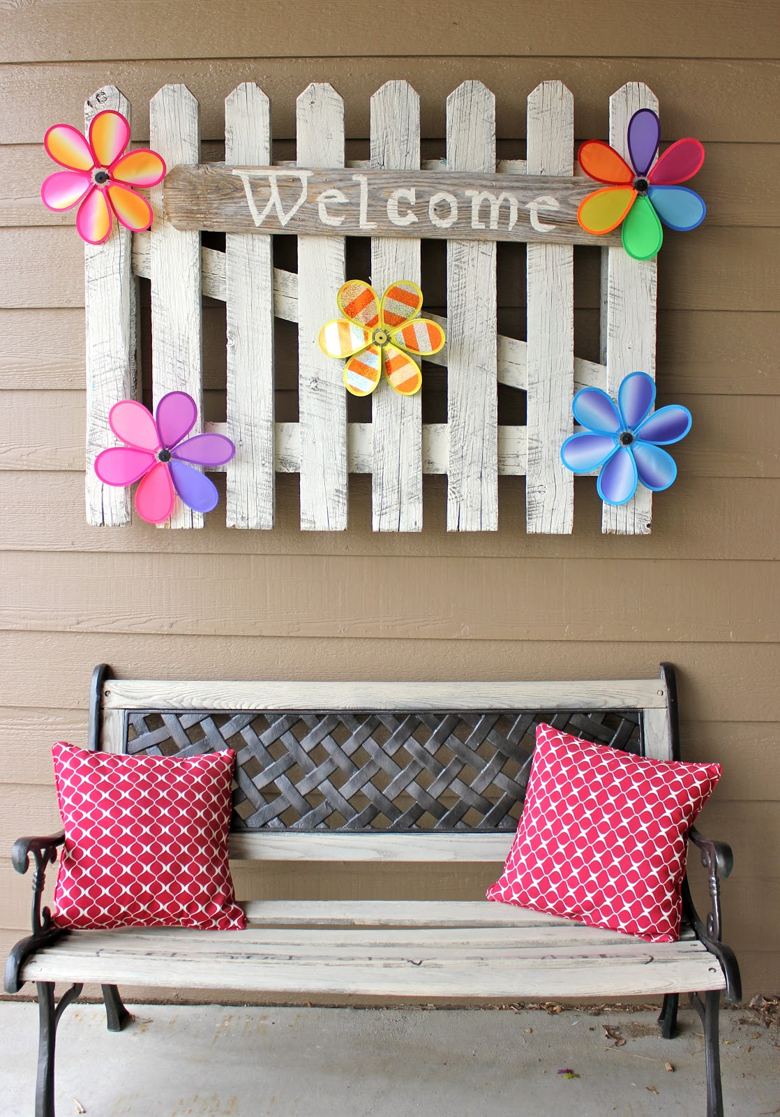 10 Colorful Ways to Spring-ify Your Porch