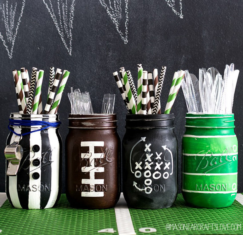 Mason jars can also be used to store silverware!