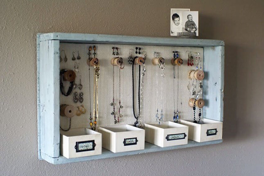 Organization tricks for necklaces and jewelry