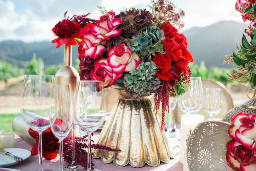 You can also put the flowers in beautiful vases as floral arrangements. Image Source: Luxelinen