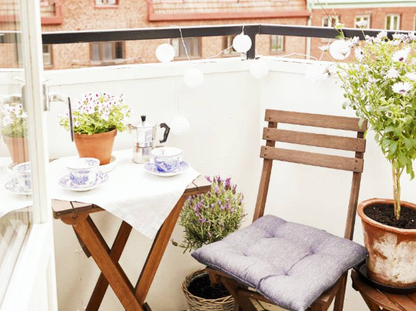 10 Beautiful Small Balconies That Will Inspire You