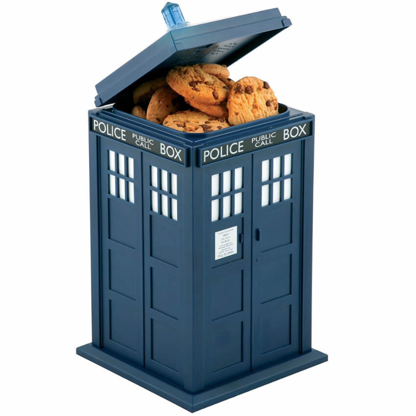 This TARDIS cookie jar is the perfect gift for that friend who loves Doctor Who (we all have them!)