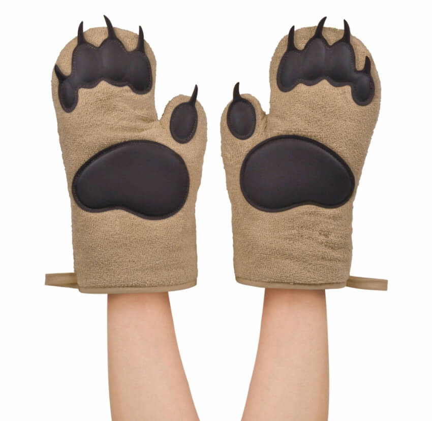 These oven mitts will finally let them get the pan with their BEAR HANDS