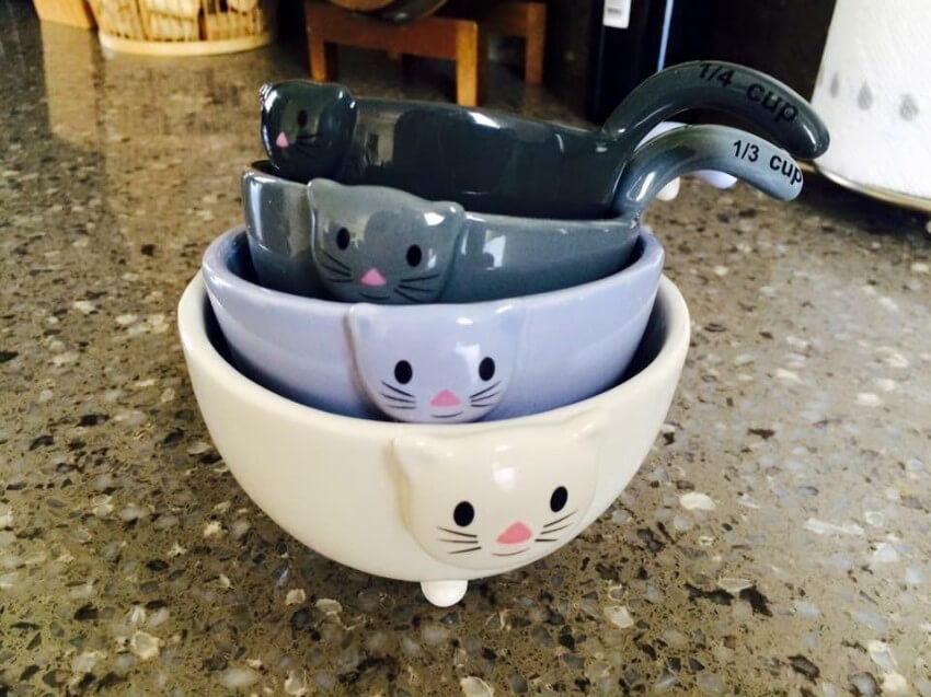 These cat measuring cups are so adorable that it'll be hard to hand them over