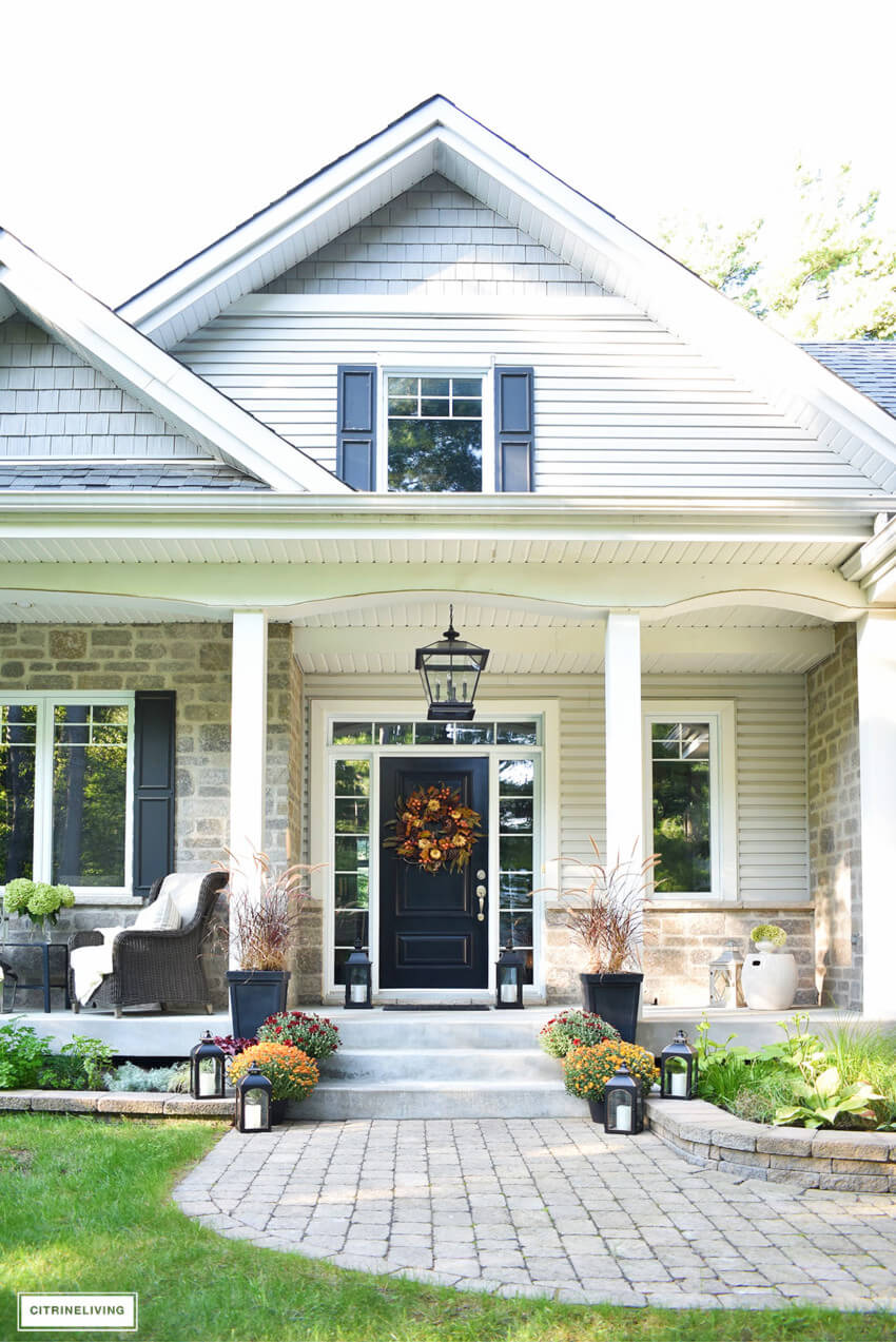 Sellers want to sell their homes before the holidays, so fall is the perfect time to make an offer.