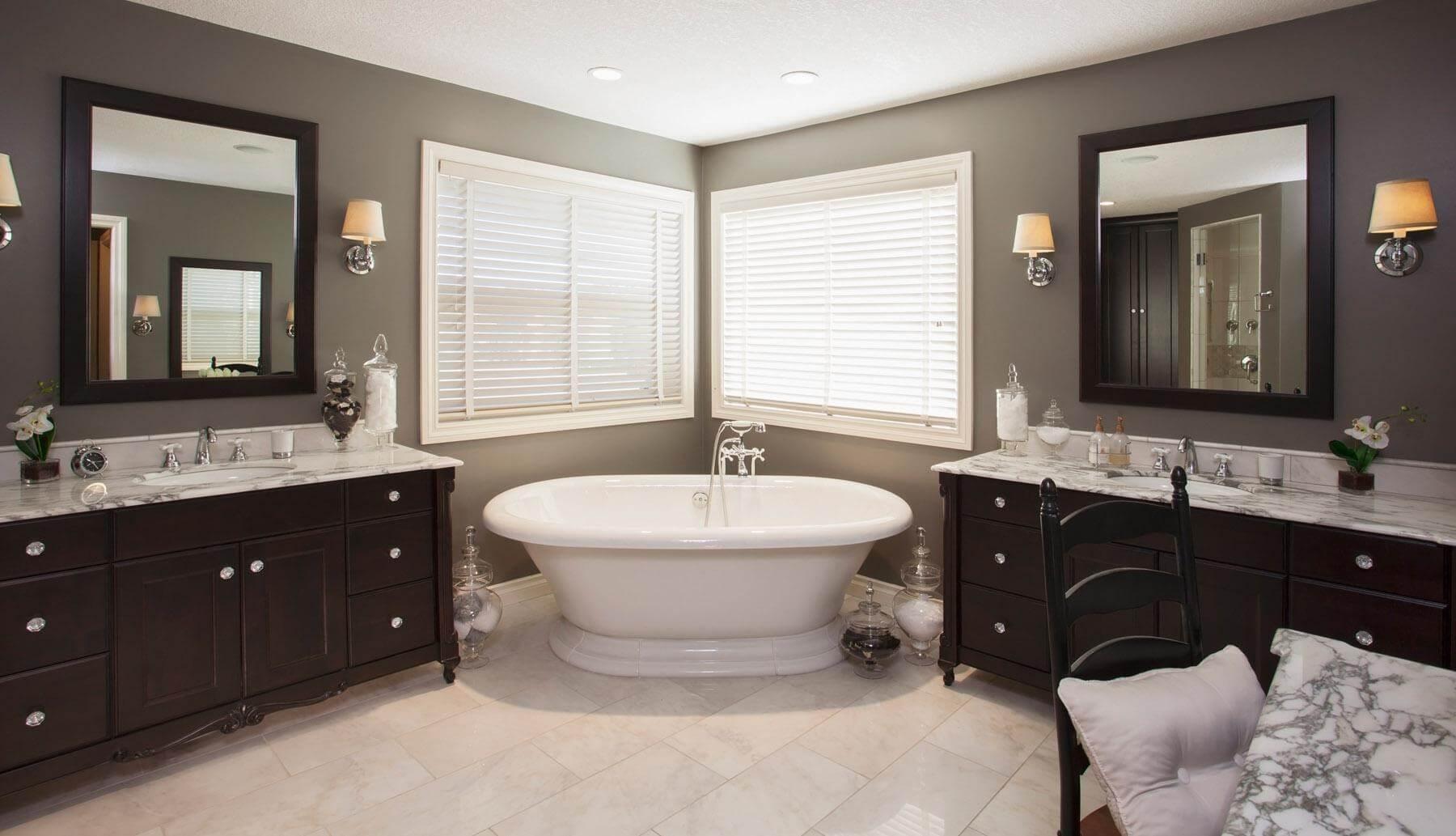 Fantastic bath and fixture displays