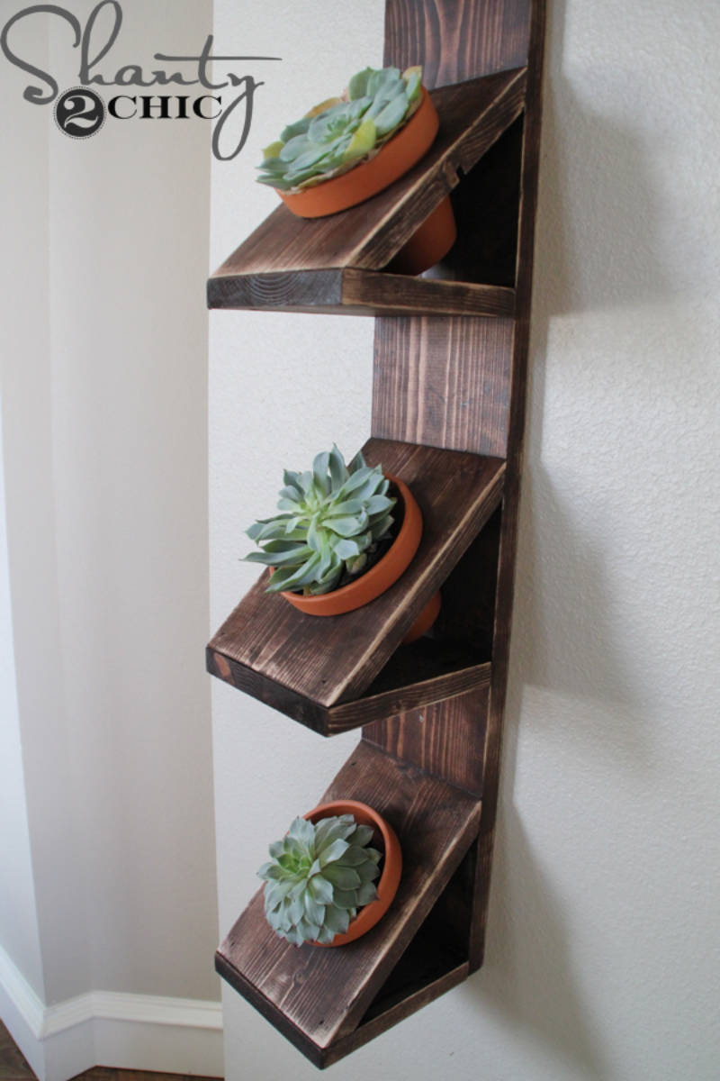 A simple wall planter with style.