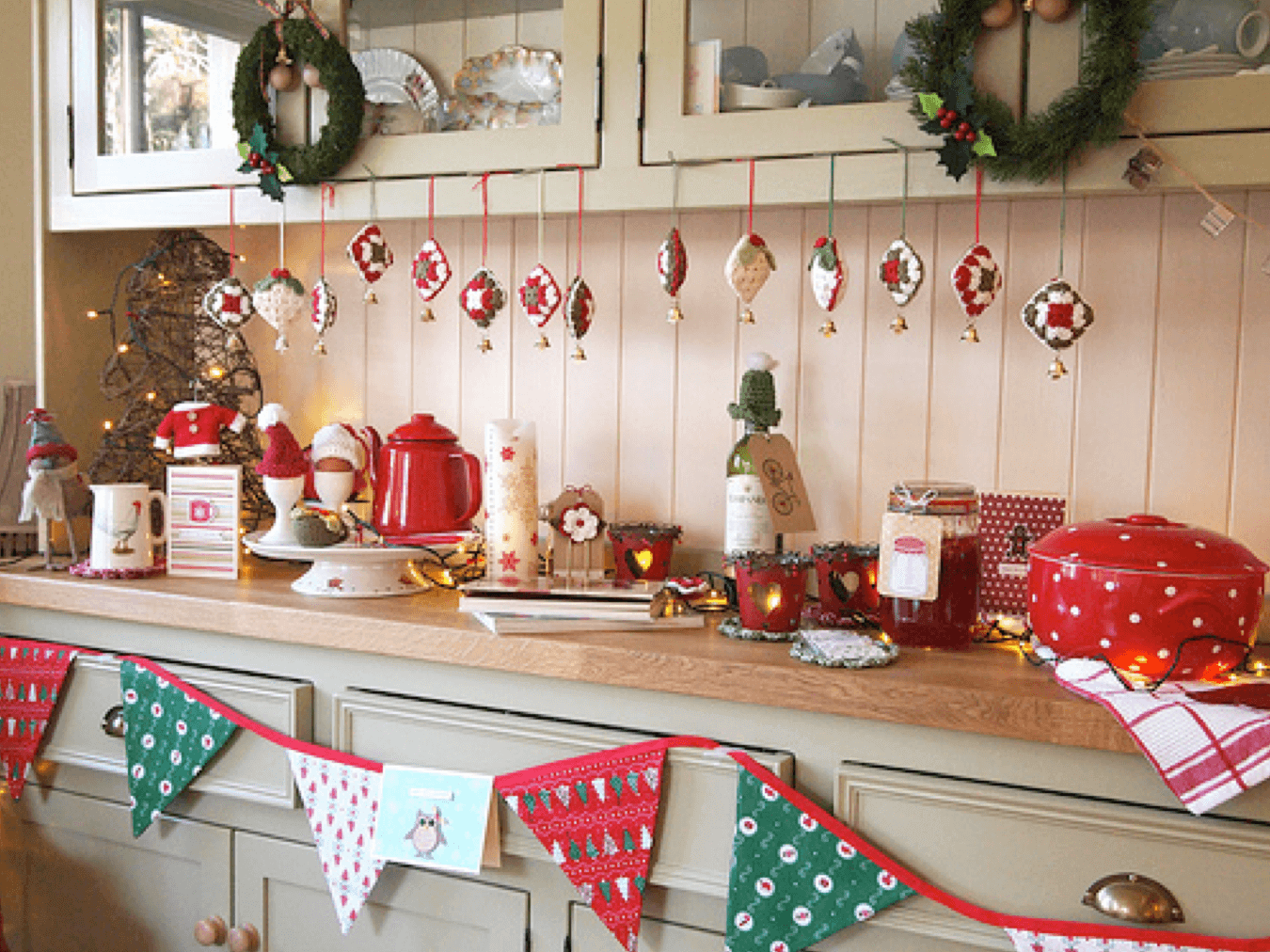 The amazing tradition of Christmas kitchen decor