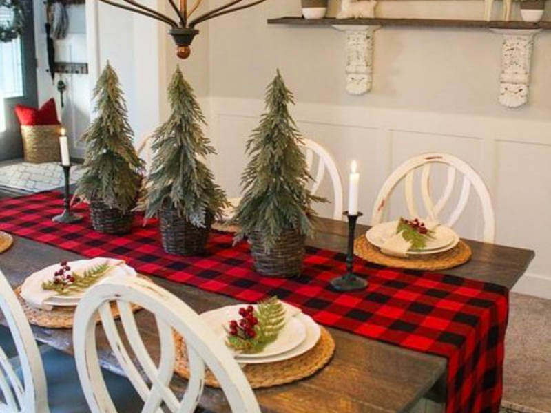 Top 7 Christmas Tablescape Ideas to Bring in the Joy