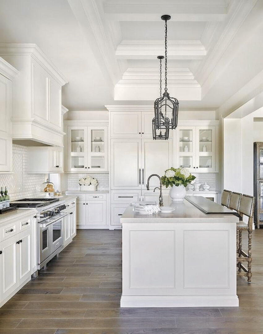 White brings elegance to your kitchen.