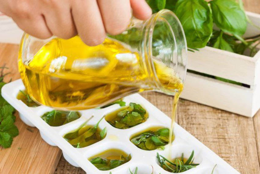 Herbs stay fresh for a longer time when frozen with olive oil!