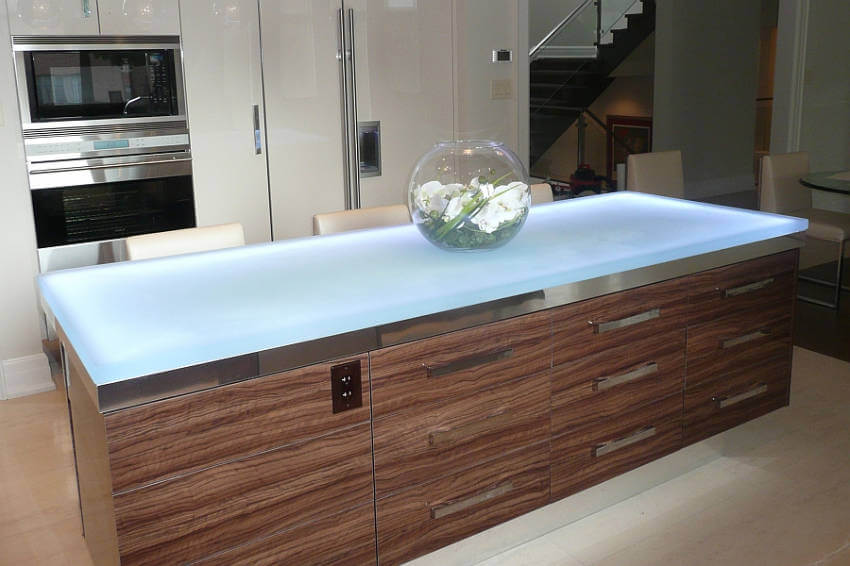 The biggest advantage to glass countertops is its stain-resistance!