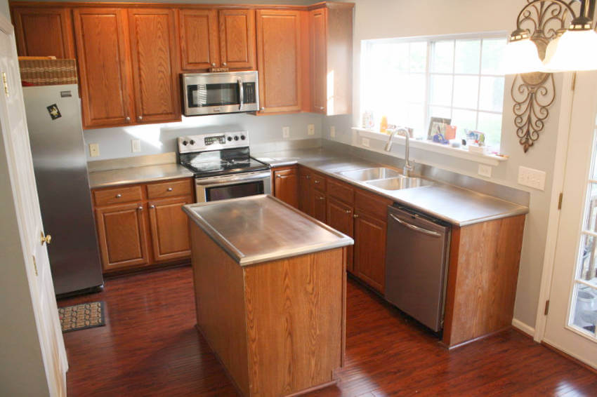Give your kitchen a modern look with stainless steel countertops!
