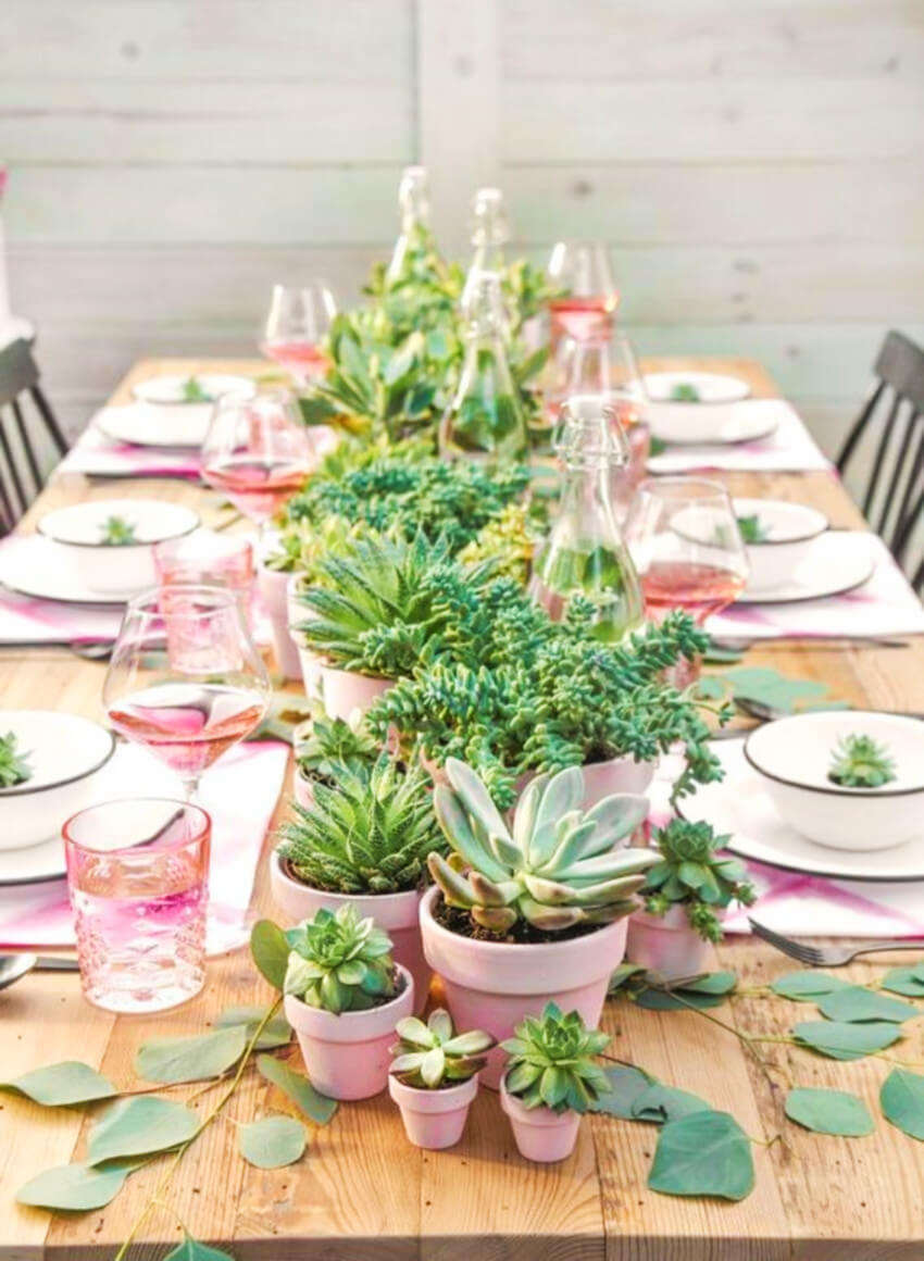 Succulents are one of the biggest trends, why not use them here too?