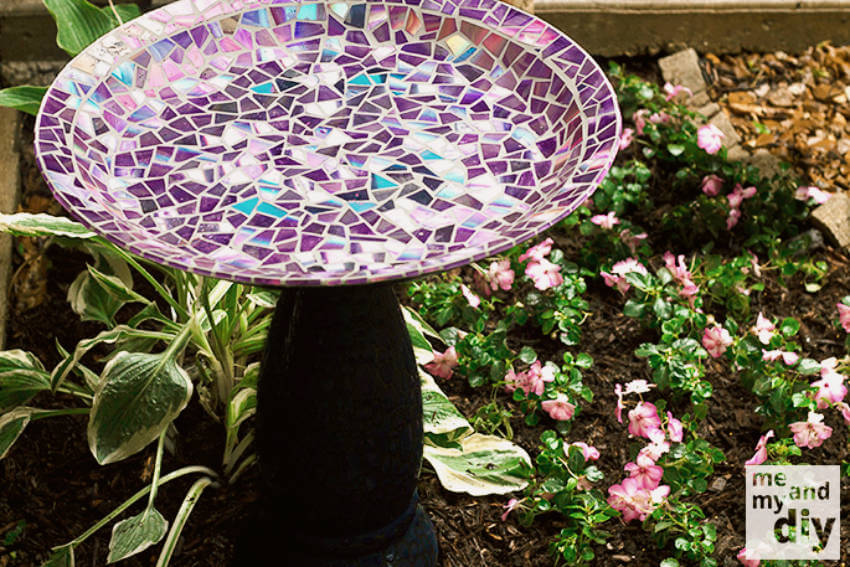 This lovely bird bath is a great DIY project to make on a Sunday afternoon.