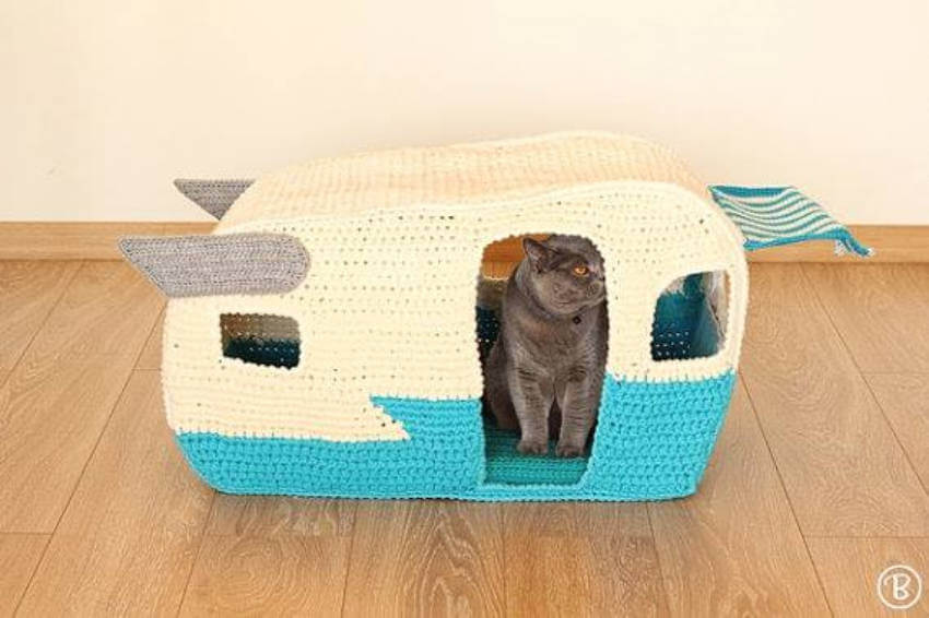 Crocheting projects for cats can be a relaxing hobby!