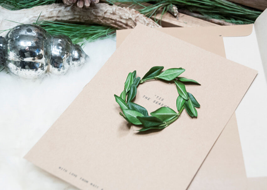 Simple and beautiful DIY wreath card!
