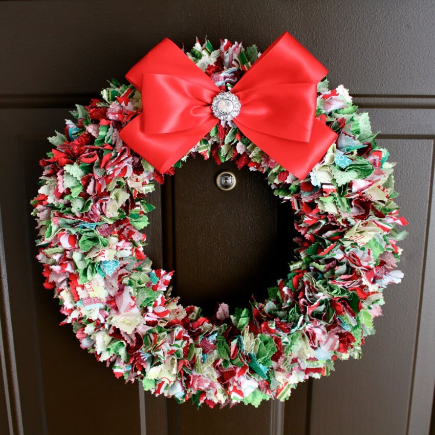 Gather all that remaining fabric from other crafts and make this awesome wreath!