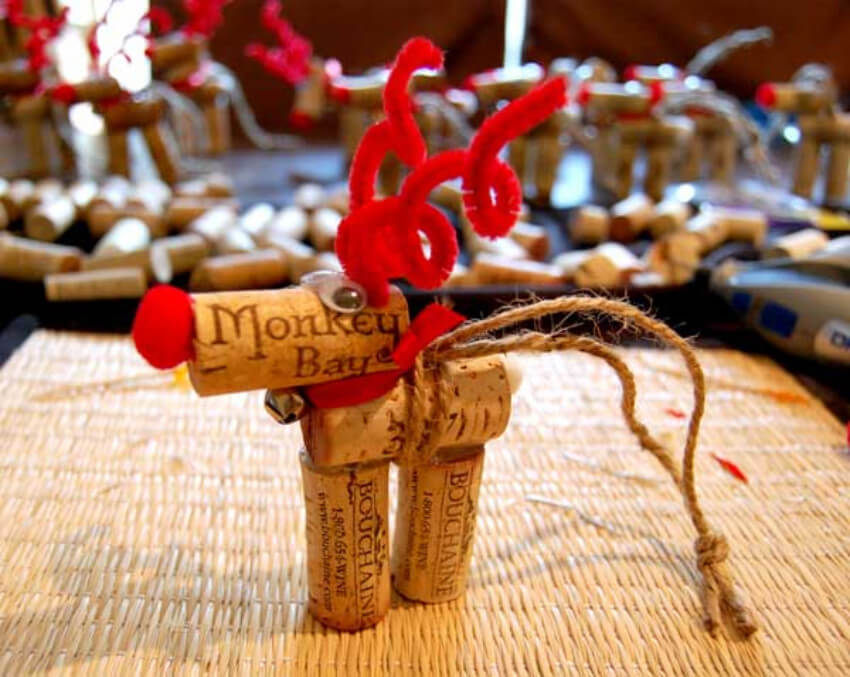 You can get the best decor with these reindeer!