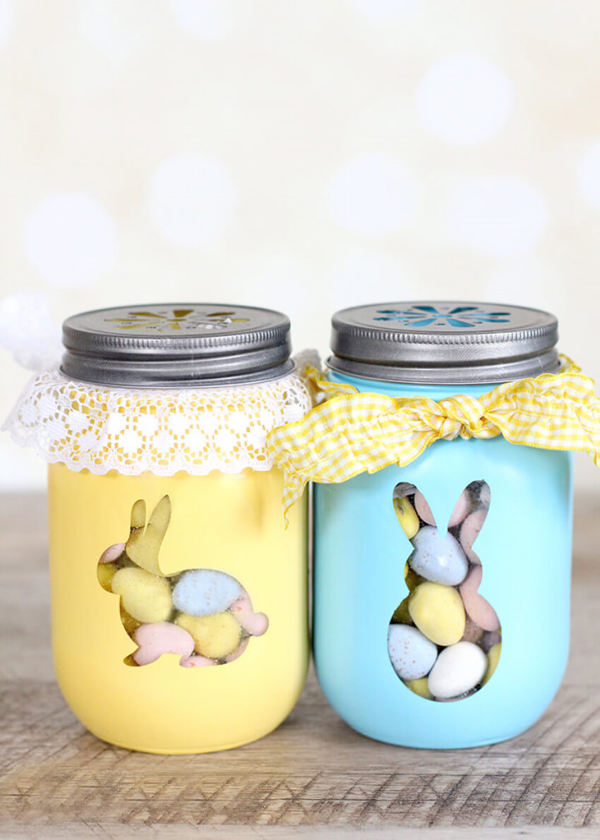 A jar for treats and decor all at once!