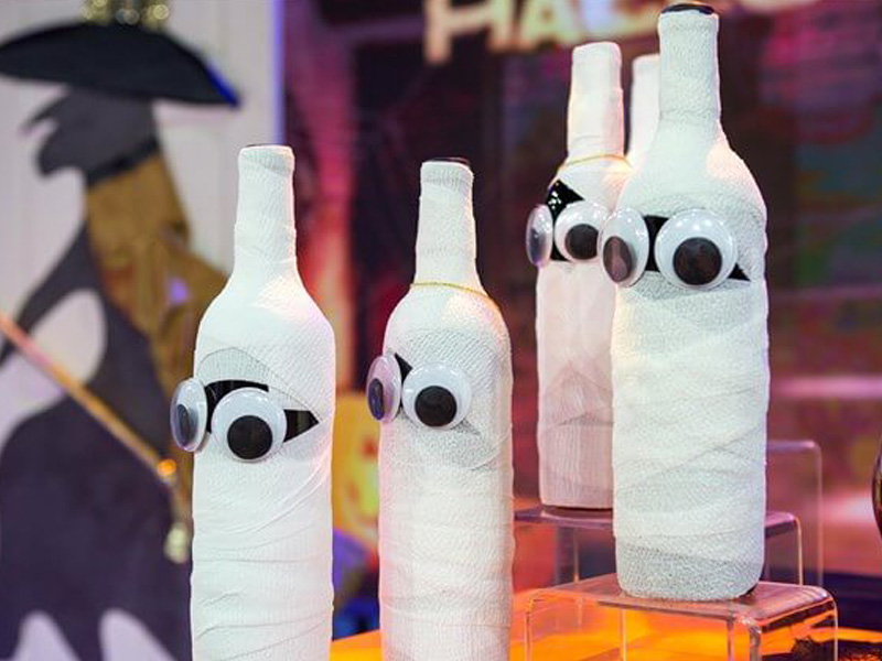 Throw the Best Halloween Party with These 7 DIY Decoration Ideas