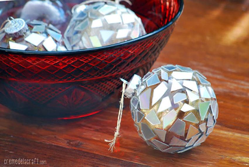 Old CDs Ornaments - Easy DIY Christmas Ornaments