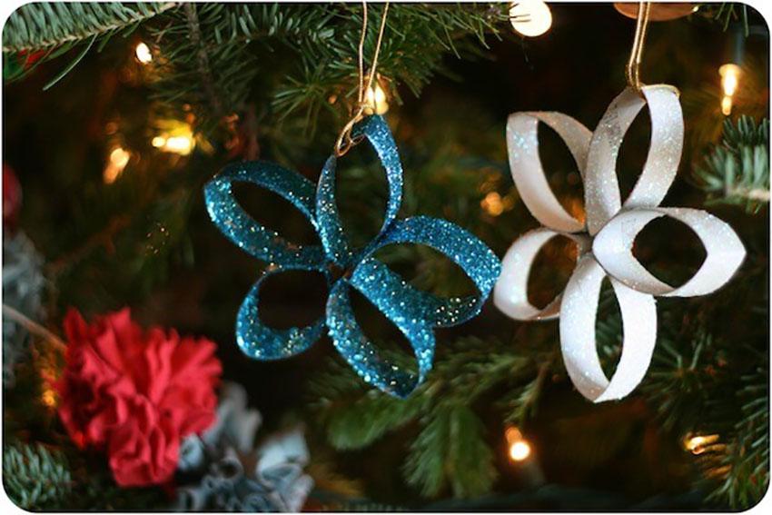 Paper Towel Stars - Easy DIY Christmas Ornaments