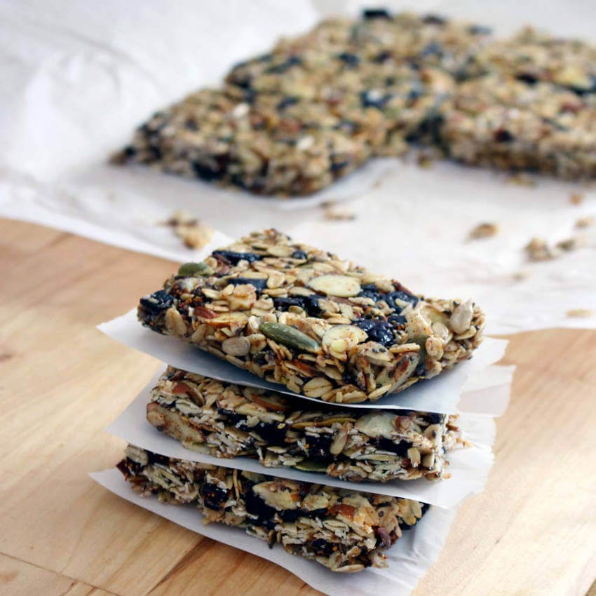 These granola bars with pumpkin seeds are just the best